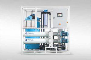 پلنت آب شیرین کن همراه با سیستم تصفیه آب برین DB8SW030 بر روی نگهداری. مناسب آب چاه تا 15000 ppm